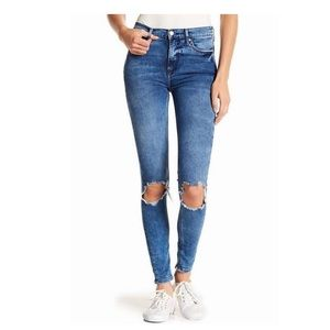SALE**Free People Women's Skinny Jean